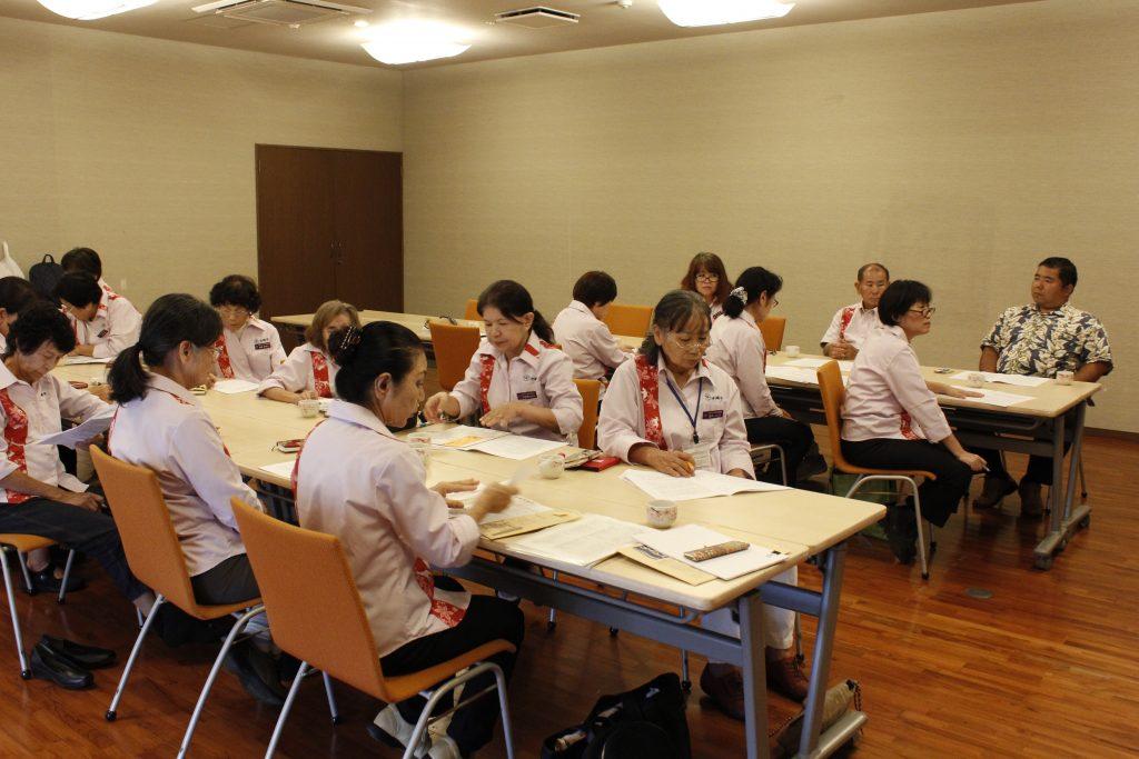 沖縄市、越来・安慶田中学校区民事協、宿泊研修会を行いました!